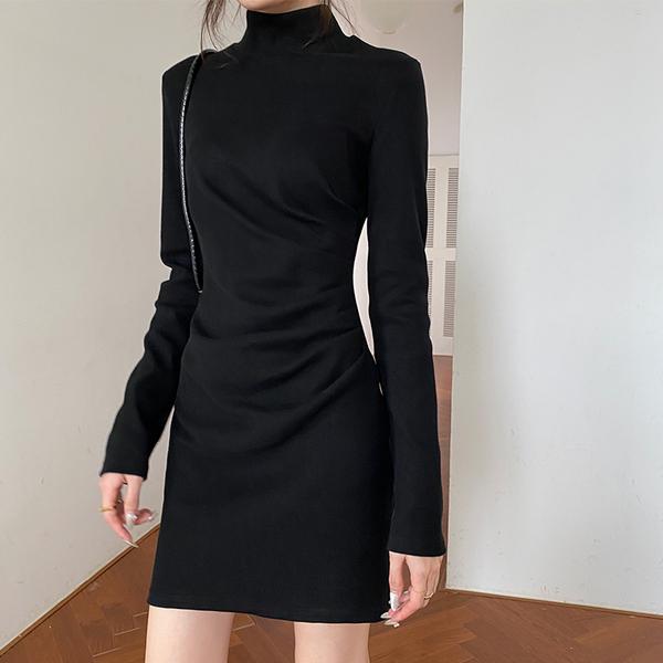 黑色打底裙包臀连衣裙女秋冬针织加绒气质修身收腰显瘦内搭短裙子图片
