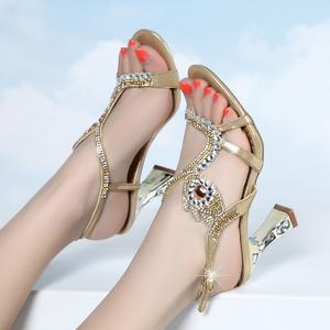 2021年百丽夏新款凉鞋女水钻粗高跟时尚水晶镶钻仙女风一字带女鞋