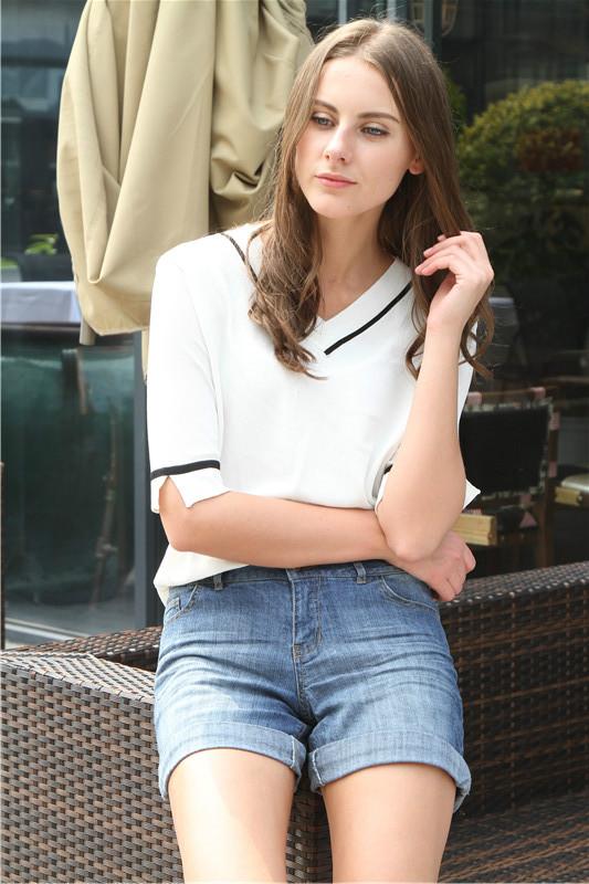 女款牛仔短裤 纯棉好质量 修身有型品牌