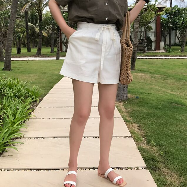 Korean products buy authentic Korean womens clothing, 2018 Summer East Gate, Korean fashion white linen casual shorts for women