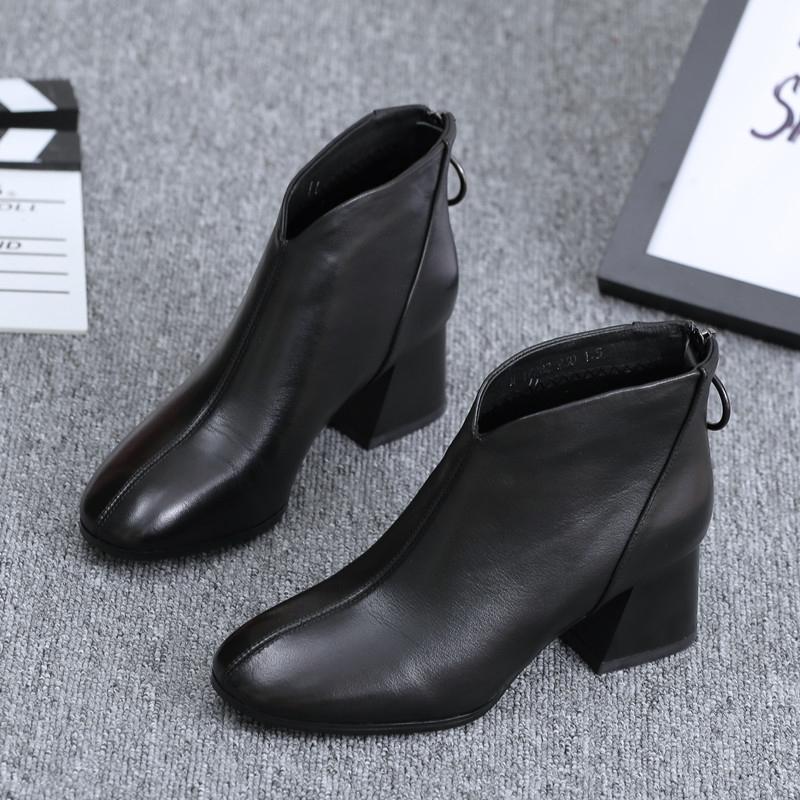 欧洲站女鞋2020新款秋季真皮短筒单靴英伦风百搭中跟短靴粗跟靴子