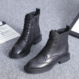 2020秋冬新款女鞋圆头平底短靴子真皮布洛克英伦风系带休闲马丁靴