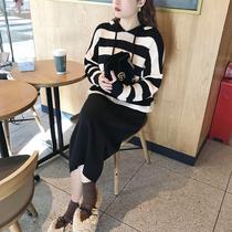 摩妮卡大码女装针织衫2019新款胖mm冬装显瘦条纹连帽卫衣毛衣