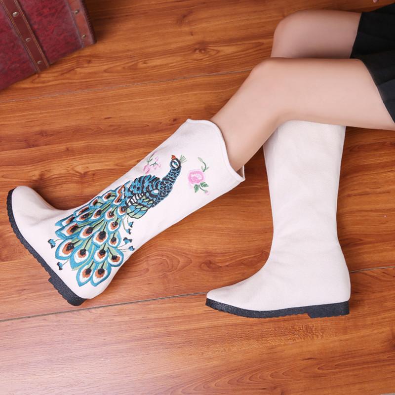 秋冬绣花靴老北京布鞋短靴内增高布靴民族风女靴中筒靴棉靴子单靴 Изображение 1