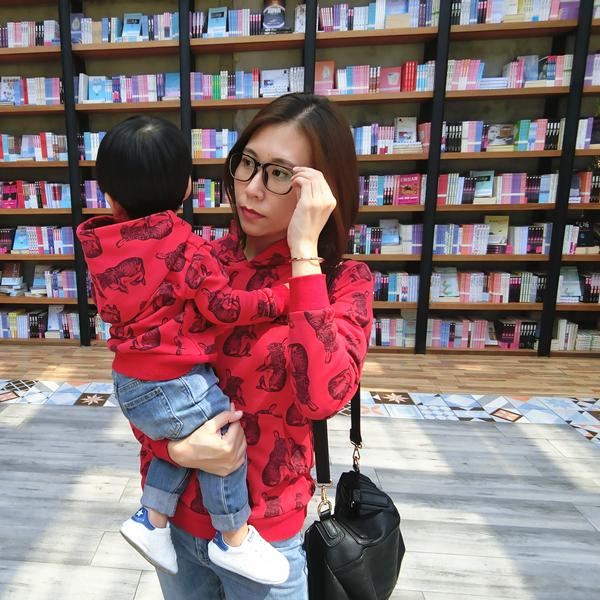 PANPAN домой мальчиков и девочек, красный свитер мать и дитя мать и дочь руководитель секции шапка свитер симпатичный кролик индийский ребенок драгоценный сокровище куртка