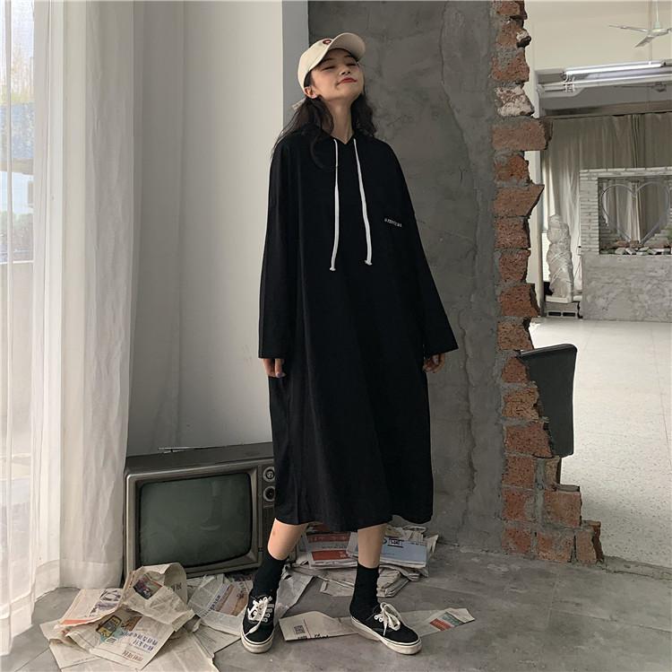 实价实拍秋季新款口袋印花中长款显瘦连帽纯色女连衣裙长套头卫衣