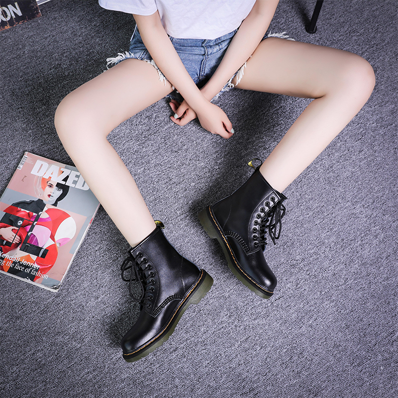 2021 new Martin boots female British style Student Korean flat bottomed versatile locomotive short boots womens shoes large mens boots 46