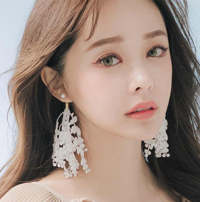 South Korea imported Korean version of the trend of fashion jewelry earrings female super fairy lace long paragraph exaggerated earrings Silver Needle White