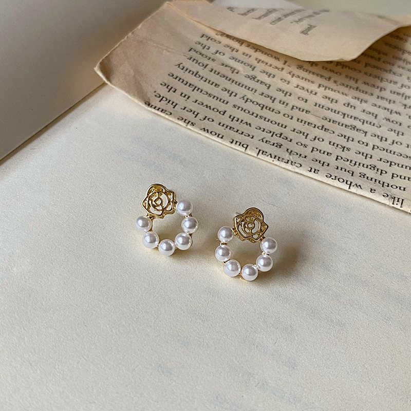 S925 silver needle French retro rose hollowed out pearl Design Earrings female geometric circle new earrings