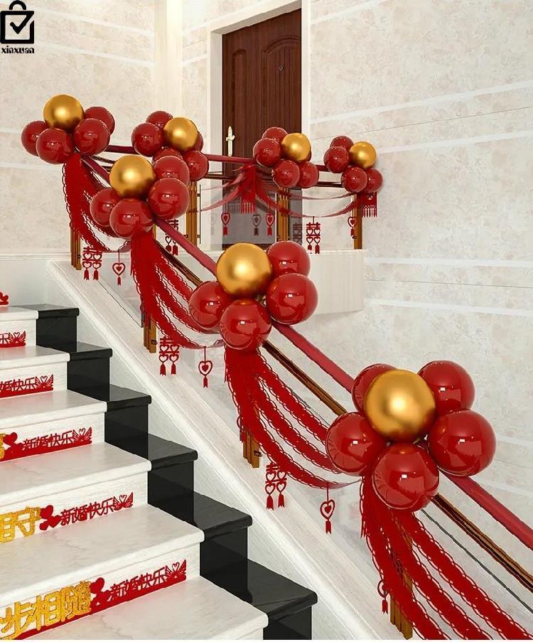 室内温馨楼梯装饰结婚带灯花球扶手