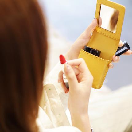 带镜子真皮口红包收纳小包送闺蜜生日礼物小号便携随身补妆化妆包