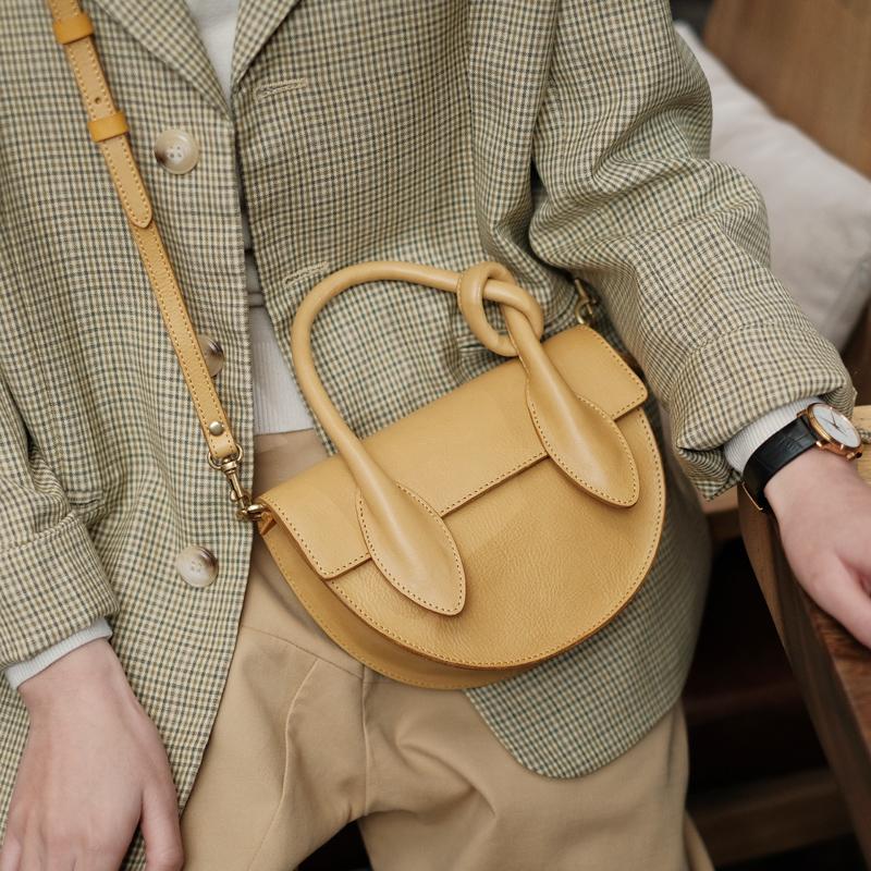 法式复古风中古贝壳半圆手工包 不要低估一只包带给你的愉悦