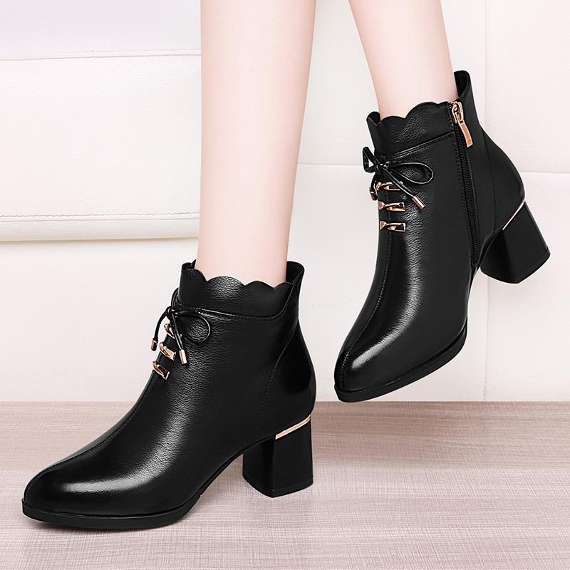 半靴子中跟真皮中年妈妈款妇女皮鞋半腰短靴高跟春秋中帮低筒单靴图片