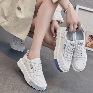 小白鞋女真皮2021秋季新款女鞋轻便厚底松糕休闲板鞋单鞋春秋鞋子
