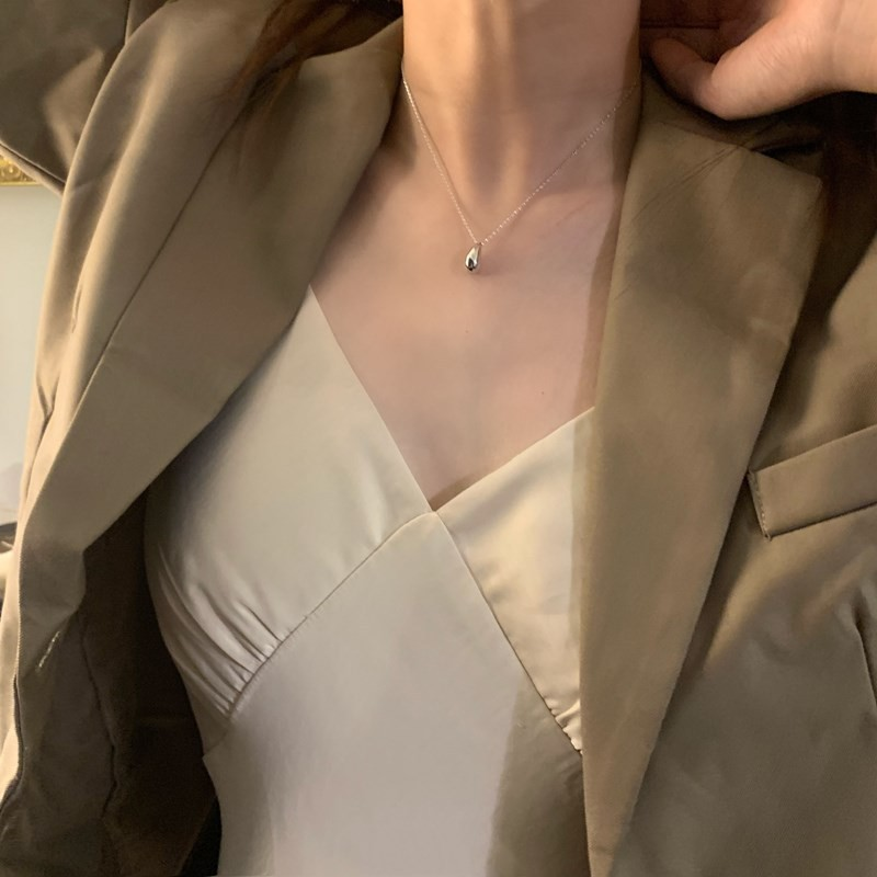 Titanium steel is not easy to fade water drop simple Korean European and American Necklace personality simple style clavicle chain niche neck chain