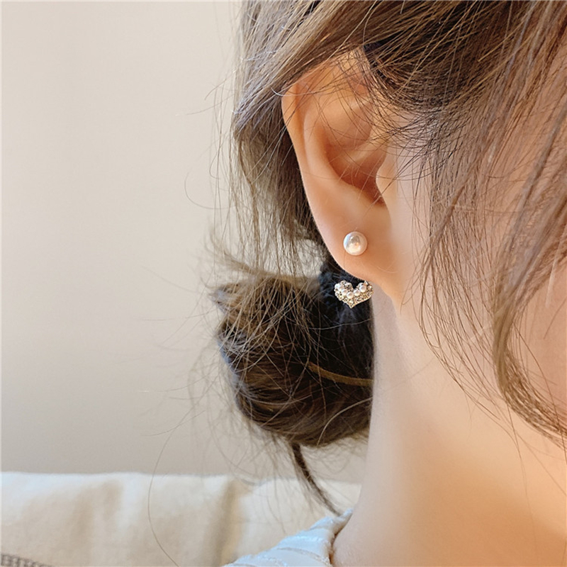 S925 silver needle Korean Pearl Earrings feminine quality inlaid with diamond Small Love Earrings New compact and lovely earrings
