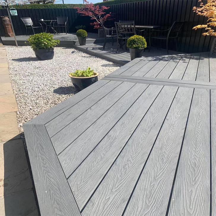 屋外の木の長い床を作って、木の固体の床を作って、中空の床を作って、板の外の床を作って、木の床を防腐します。