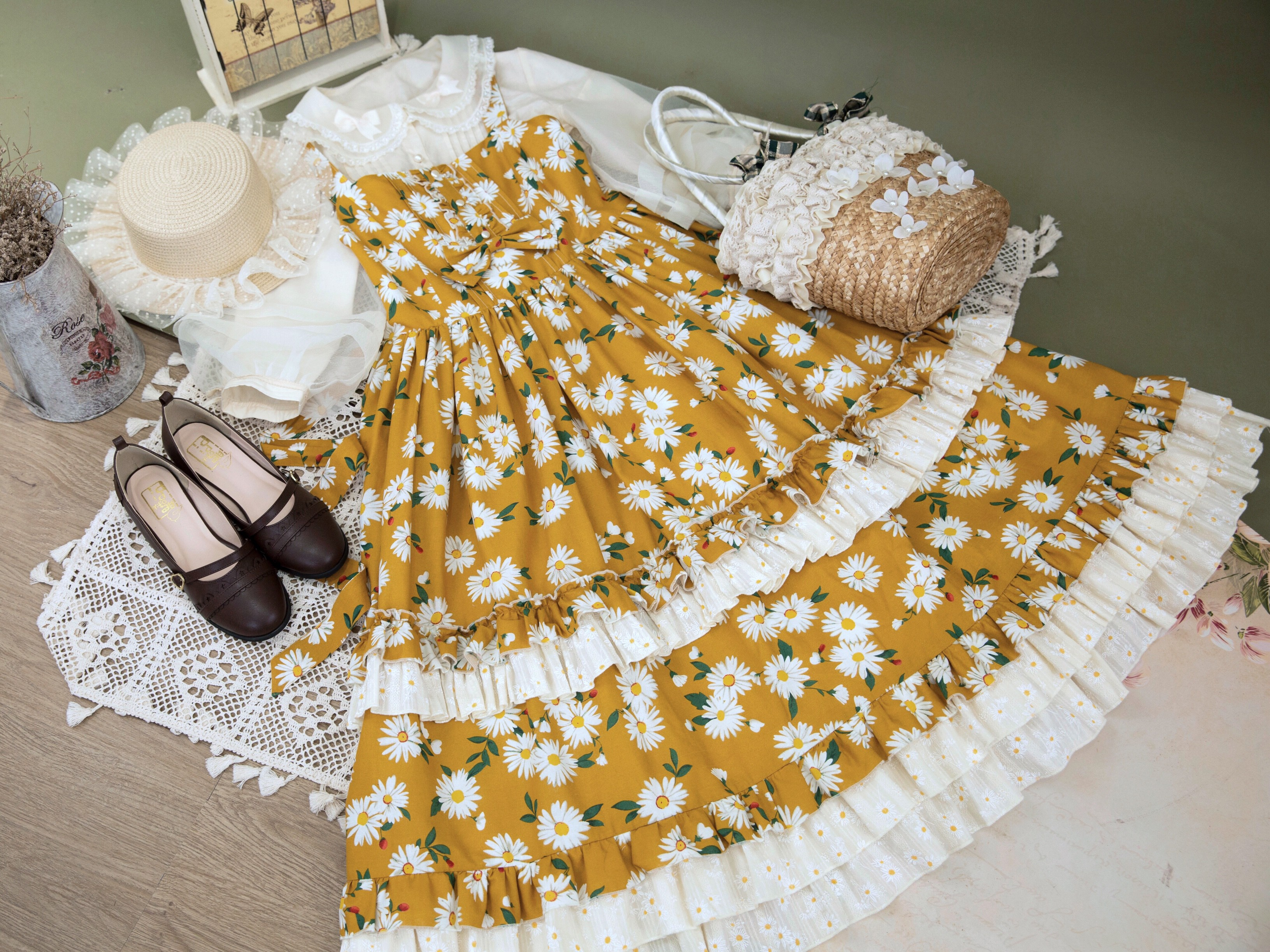 [spot] Lolita Floral Wall on the waist of Daisy forest