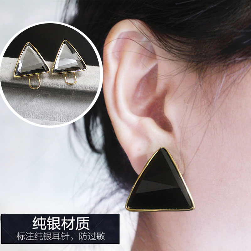 European and American winter temperament Korean triangle ear clip black exaggerated large Earrings 925 silver anti allergy Earrings