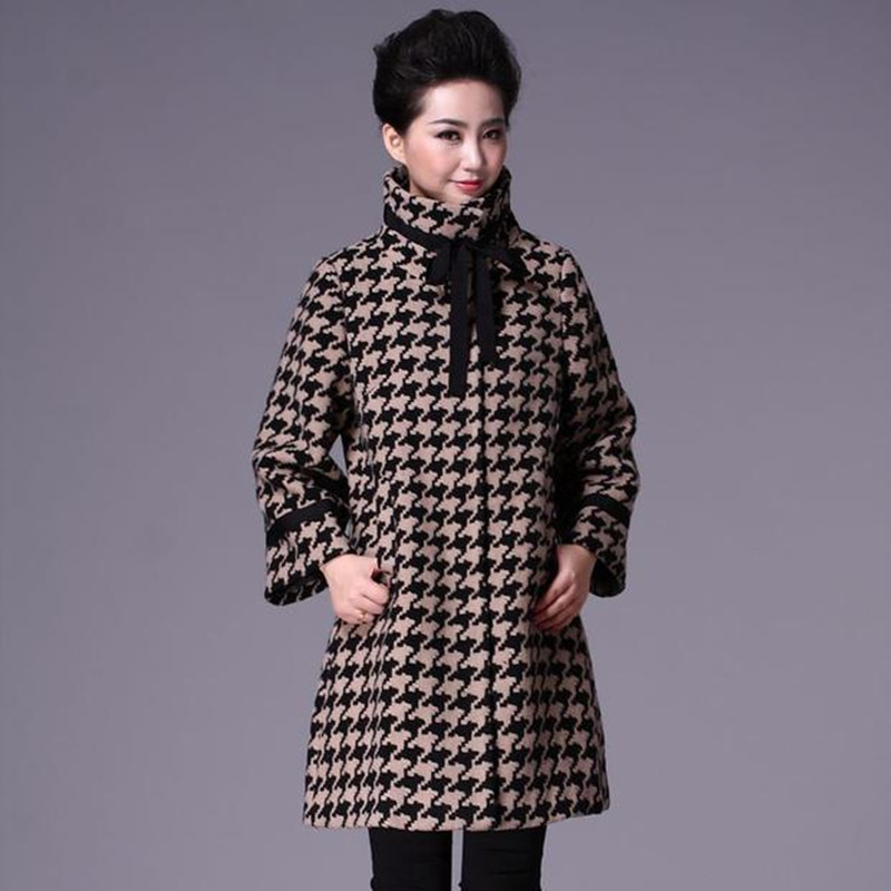 Autumn and winter windbreaker loose middle and long-term middle-aged and old women's coat in large size