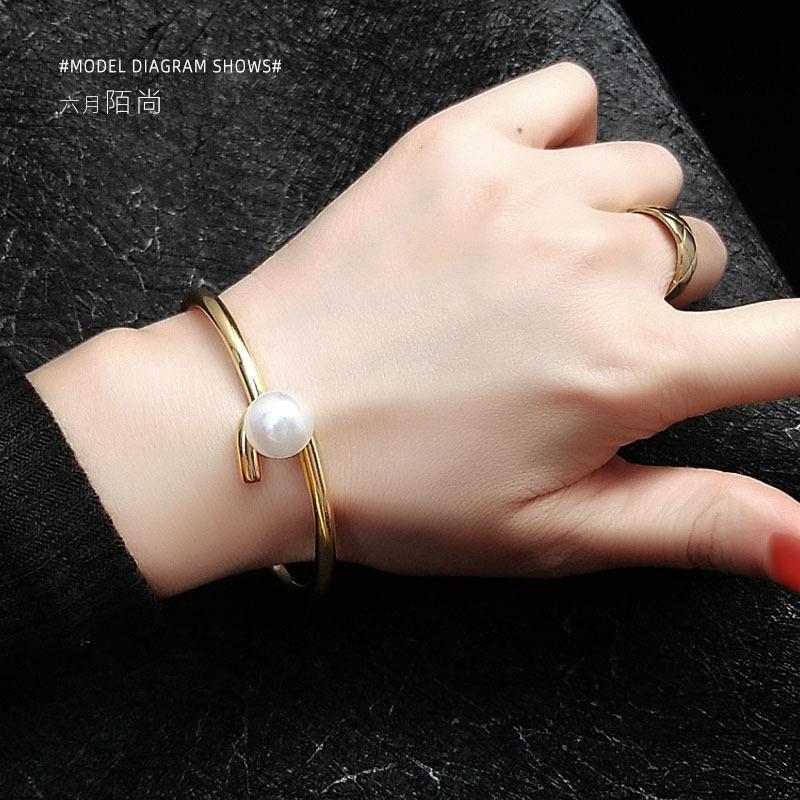 网红爆款异形手术钢材质珍珠手镯洗澡不用摘不褪色不过敏
