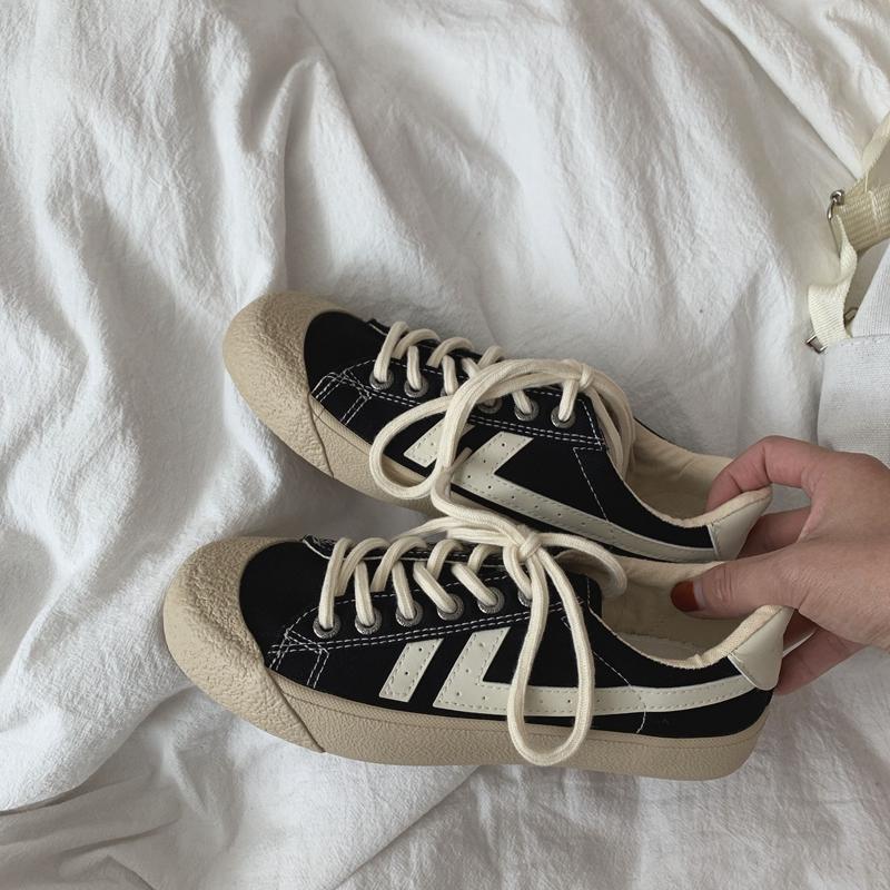 泡面小希鞋子 狂推100遍一定要入这一双ins风小黑鞋学生帆布鞋女图片