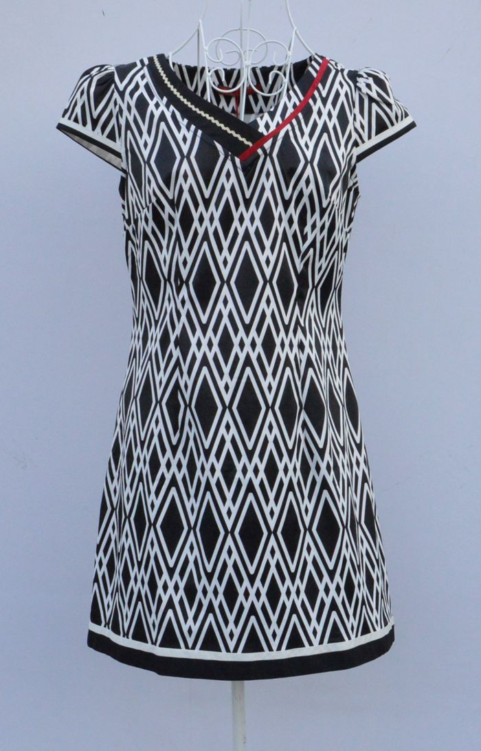 日月坊夏装新款复古优雅印花中式小V领修身显瘦改良棉旗袍连衣裙
