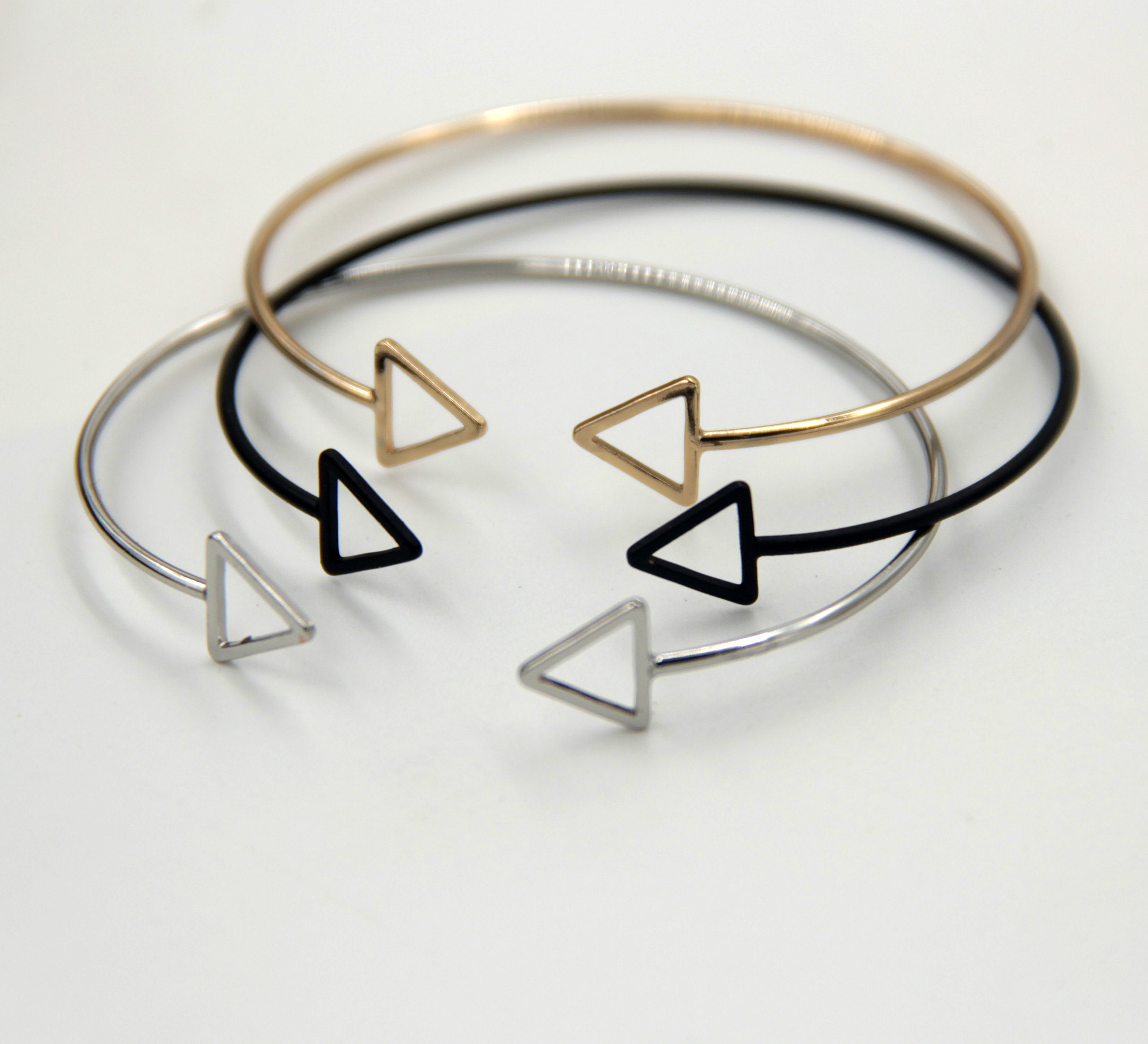 New European and American foreign trade jewelry design copper material simple geometric opening adjustable womens Bracelet