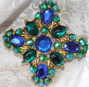 伦敦纽约巴黎*珠光恋心* 真品JOAN RIVERS孔雀蓝琉璃石水晶胸针