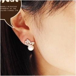 经典爆款 厂家直销 高档做工 蝴蝶 珍珠耳钉 韩国明星饰品064