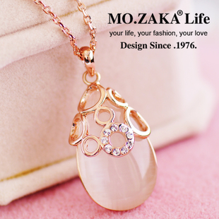 Japan and South Korea fashion simple pendant jewelry pendant necklace opal female clothes and accessories fall and winter short paragraph clavicle chain