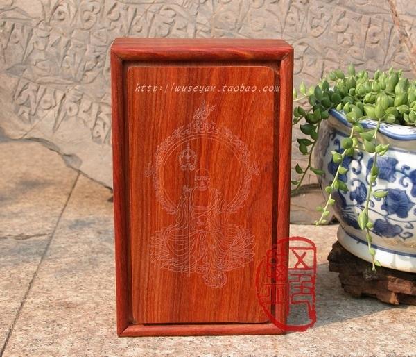 Чистая деревянная коробка / красный Сандаловое дерево / линия резной статуи бодхисаттвы / ручная работа / структура клина / без Процесс окраски