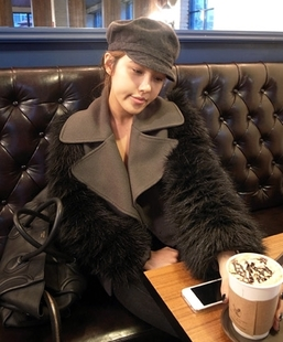 Special authentic Korean imports of dumped tango style fur collar woolen short jacket sleeves to fight that is made