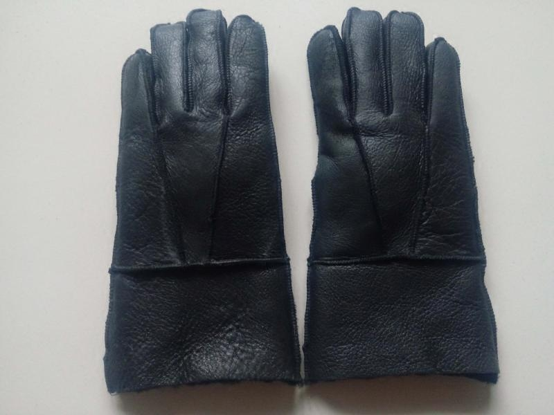 Warm and thickened sheepskin wool fur integrated leather gloves motorcycle riding tram skiing mens and womens Gloves