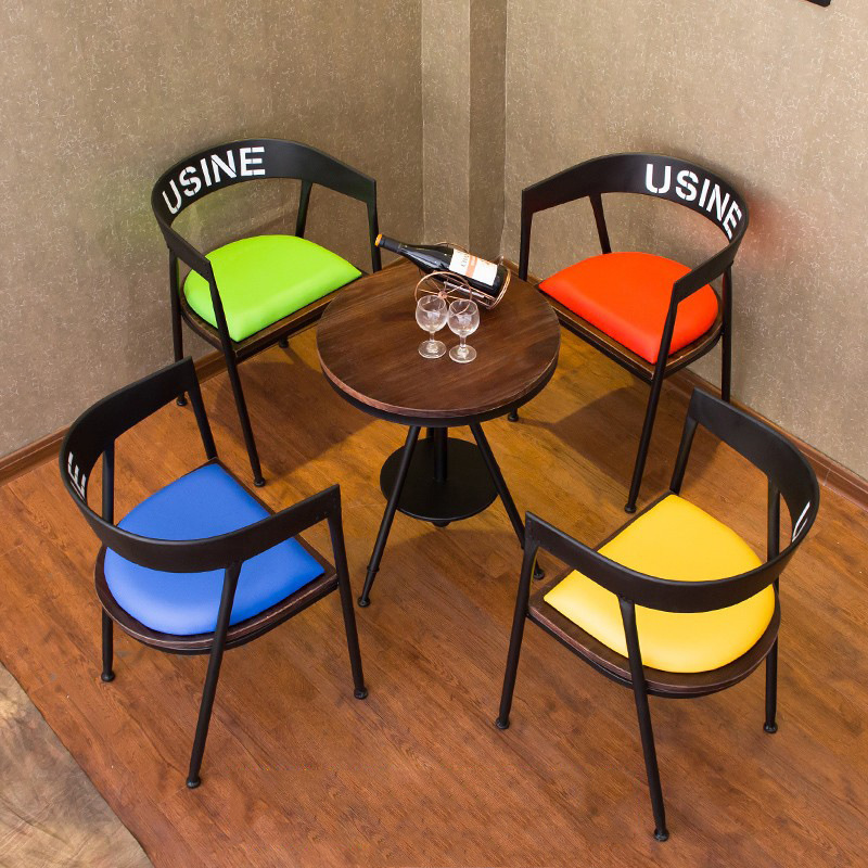 Американский на открытом воздухе комнатный случайный цвет бар кофе магазин столы и стулья мода творческий железо дерево кофейный столик чайный стол