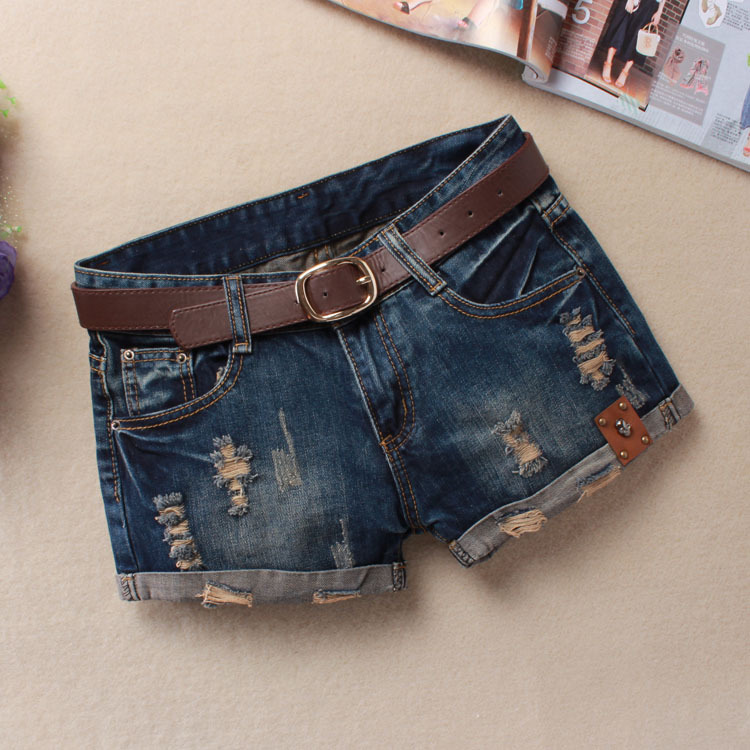 Fall / winter 2019 new denim shorts womens leather worn and worn out Student Korean version thin flanging blue hot pants boots