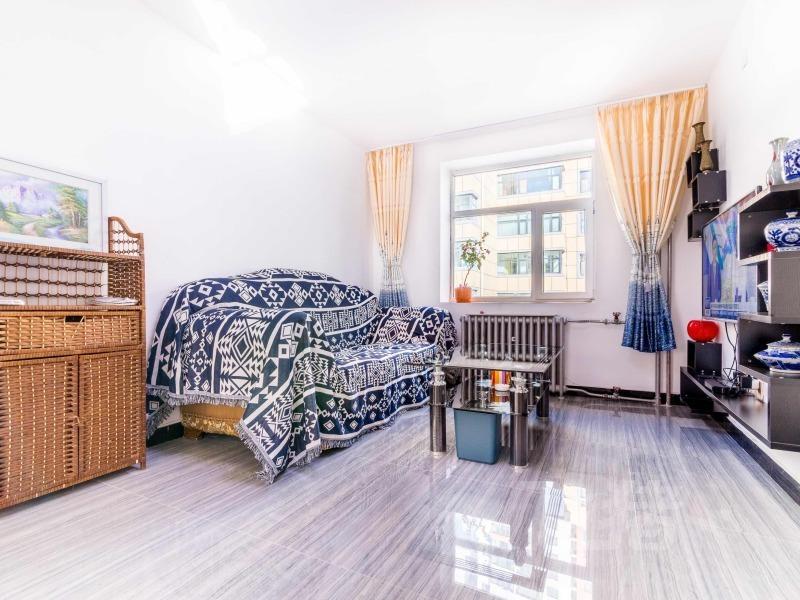 七一路紫玉龙华雅苑猫窝阳光充沛的房屋整租。整套出租
