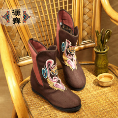 Chinese dance authentic handmade layer increased women's shoes in the national wind at the end of the old Beijing embroidered boots, breathable boots costume