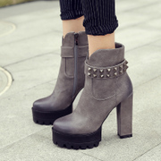 Singular love of Europe and winter boots coarse high heels short boots rivets thick-soled platform boots 40 plus size boots
