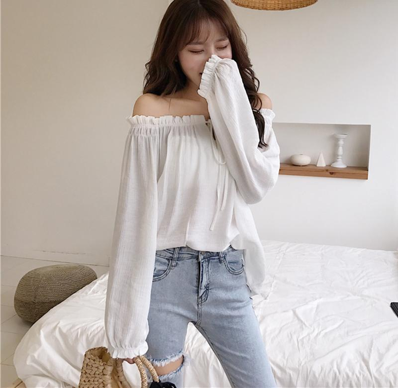 ? European off the shoulder top womens early autumn super immortal temperament, one word shoulder leakage collarbone shirt shows thin lace up Chiffon