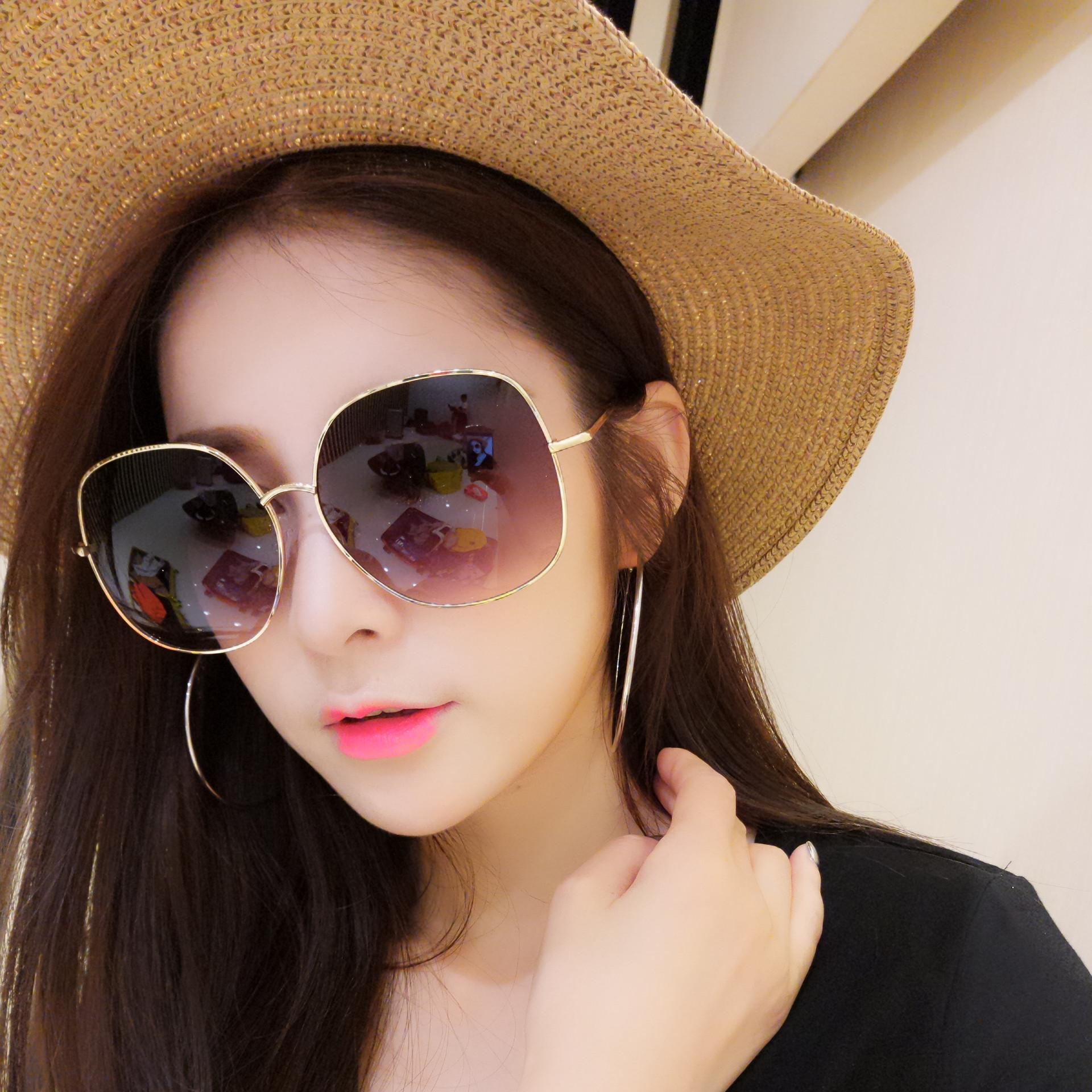 39.00元包邮网红女韩版潮大框显瘦复古街拍墨镜