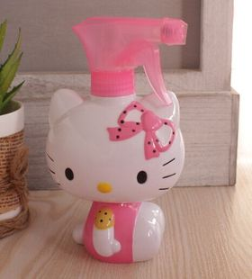 Super cute Hello Kitty cartoon large watering can shower water bottle spray bottle cosmetic bottles limit buy
