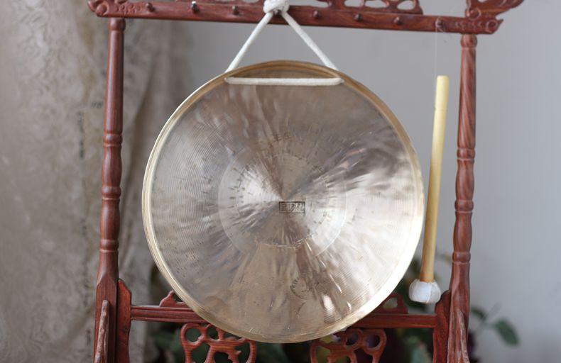 Таинственный кран музыкальные инструменты гонг барабан медь гонг гонг большой гонг диаметр 27 см военный гонг бесплатная доставка отдавать гонг молоток