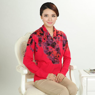 2015 autumn new middle aged ladies v neck cashmere sweater bottoming printing large size long sleeved knit sweater