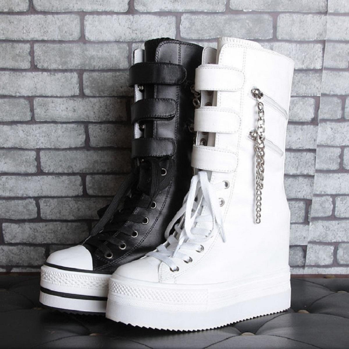 2021春の新型の厚底の中に女性靴の10 cmの中筒のマーティンの靴のファスナーのビスケットの靴のイギリス風を高くします。