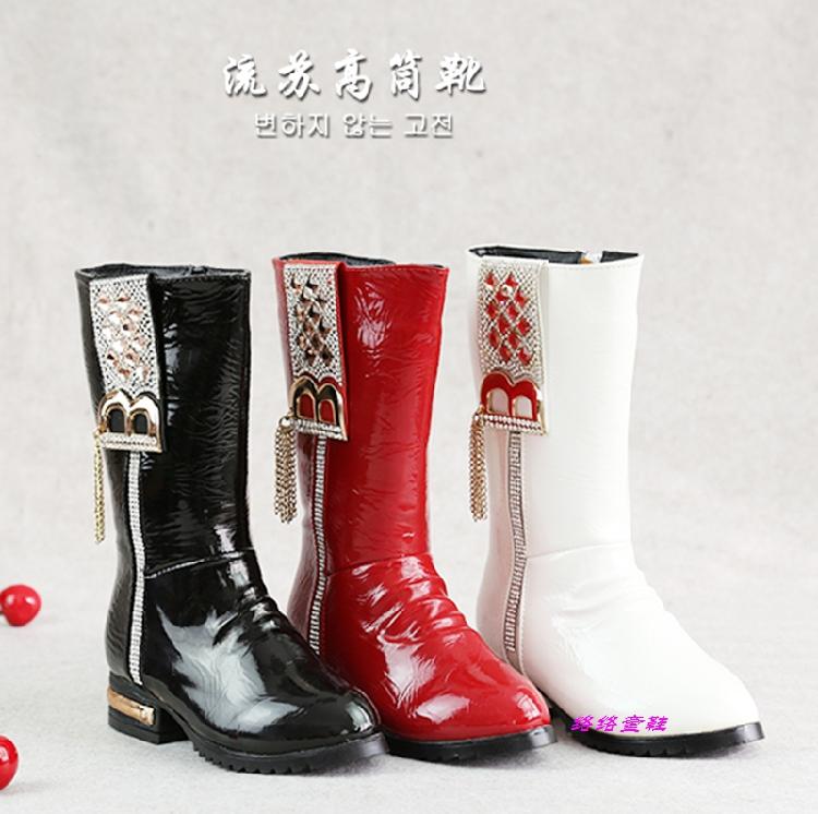 Ботинки и Сапоги зимние шерстяные в корейской версии Мартин сапоги девочек, горный хрусталь кисточкой сапоги больших мальчиков в черно-белом красный 4-16
