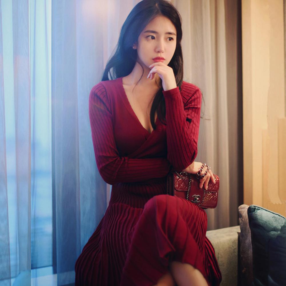 现货2018春装新款V领修身针织毛衣连衣裙七分袖中长款收腰百褶裙