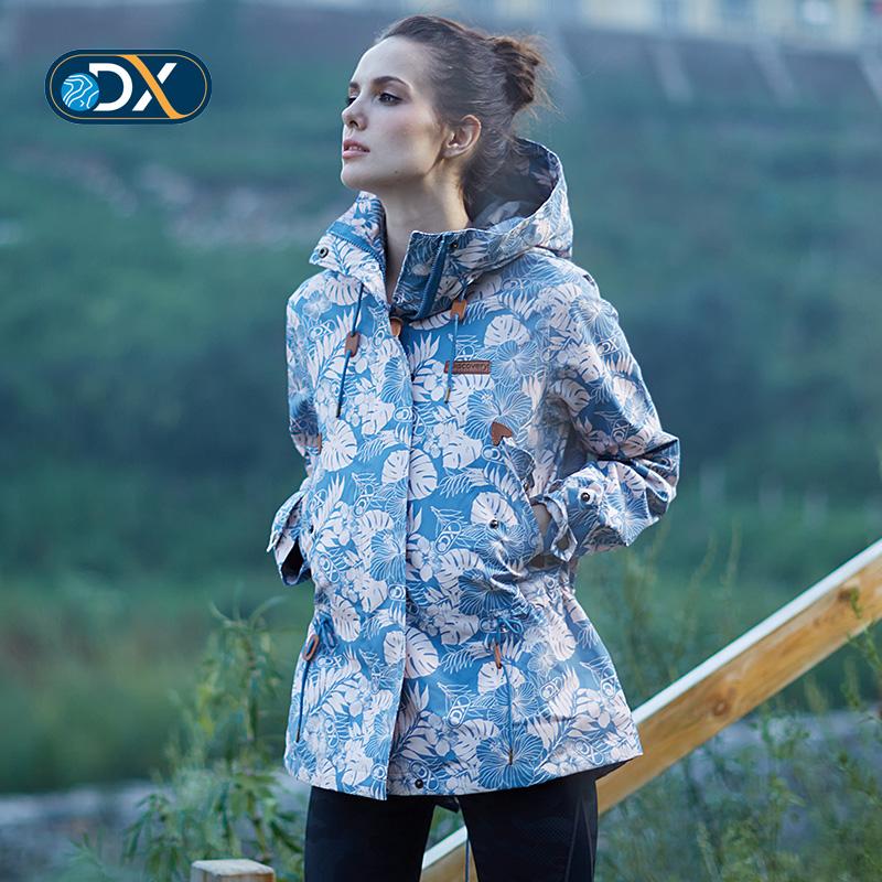 Discovery на открытом воздухе новые товары женщина печать механическая обработка путешествие пальто водонепроницаемый через мокрый теплый пальто