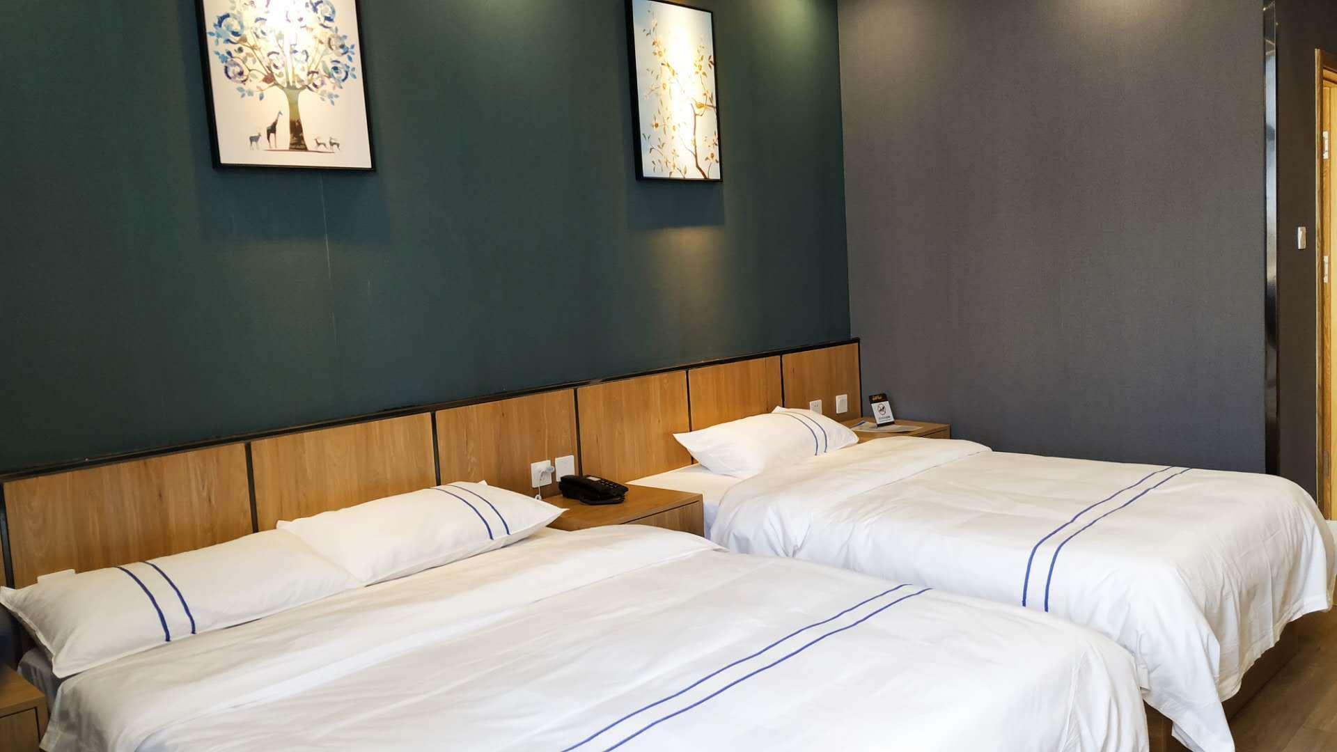 莱西阿玛尼精品酒店杭州路店亲子家庭房