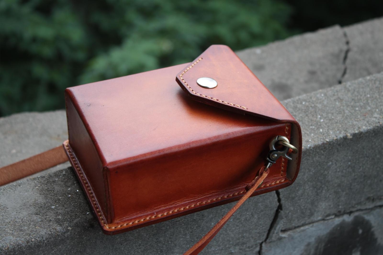 手工定制 真皮头层牛皮 植鞣革烟包手机包小挎包单肩包